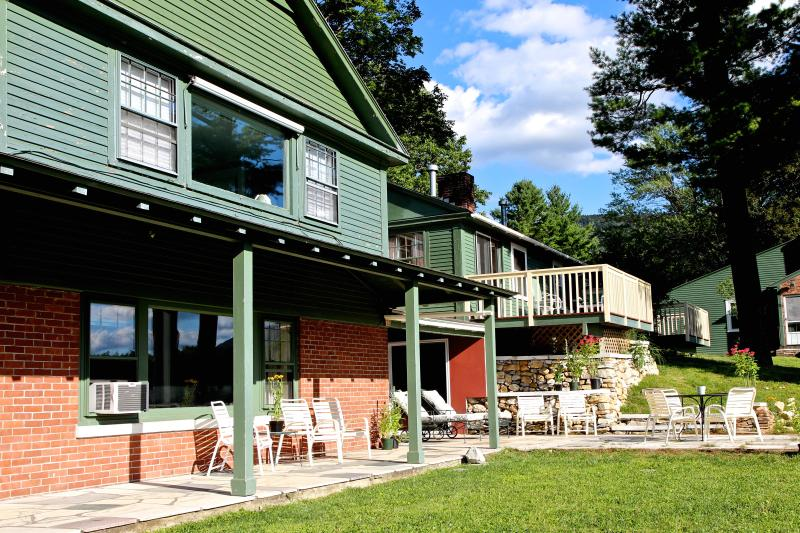 Equinox Views Villa in summer - 6 bedrooms, 6 bath, tennis, pool, VIEWS, 30 acres - Manchester - rentals