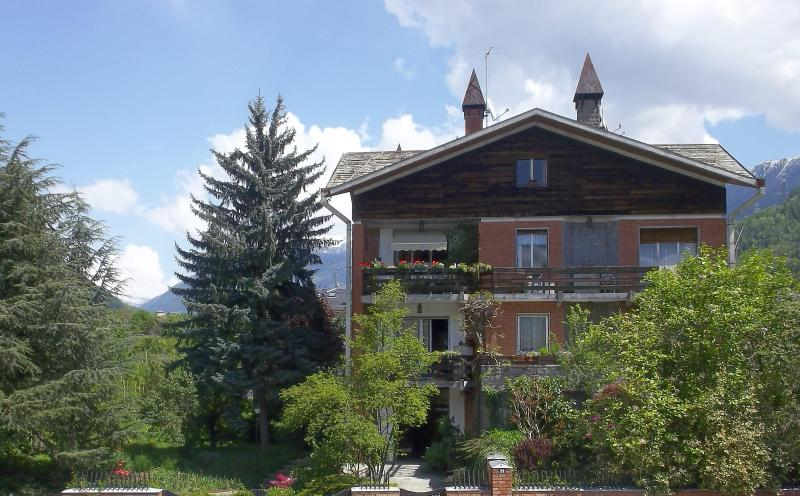 Spacious studio suitable for a couple - Image 1 - Tirano - rentals