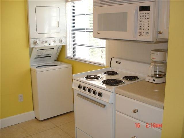 Kitchen with laundry - Beach side of Gulf Blvd - Excellent Location! - Madeira Beach - rentals
