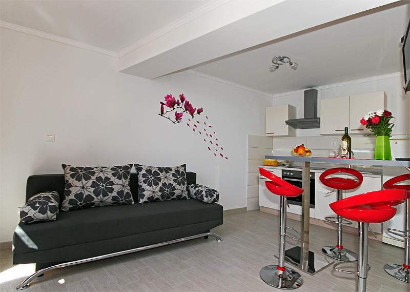 Dubrovnik Apartment Lapad-brand new-great location - Image 1 - Dubrovnik - rentals