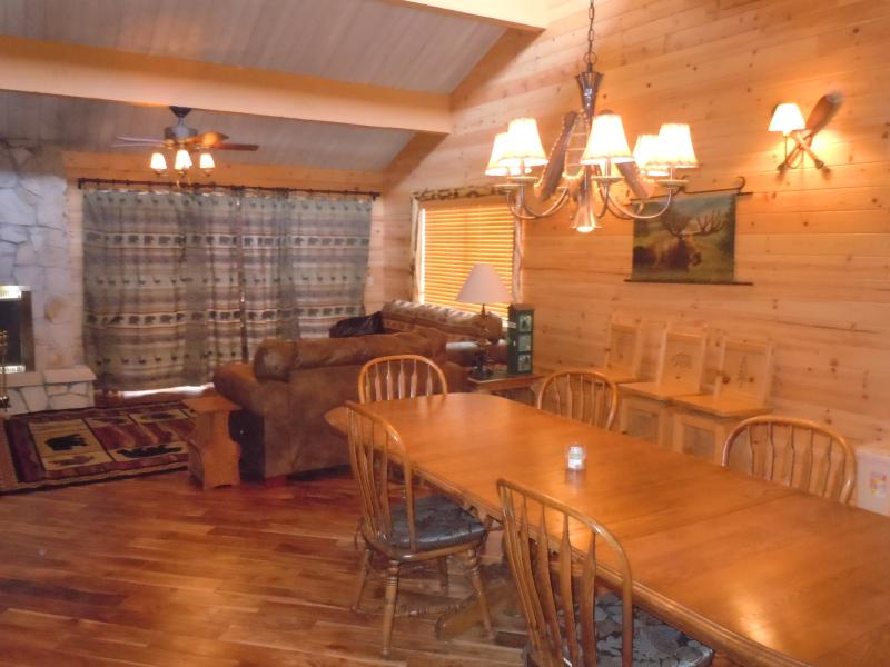 #52 Specialty 4BR Townhouses. Next to Snow Summit! - Image 1 - Big Bear Lake - rentals