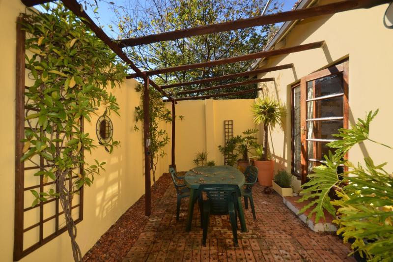Courtyard - access through second bedroom - Home in leafy Westene opposite park - Johannesburg - rentals