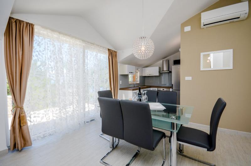 Apartments Pavao - 34291-A3 - Image 1 - Cove Basina (Jelsa) - rentals