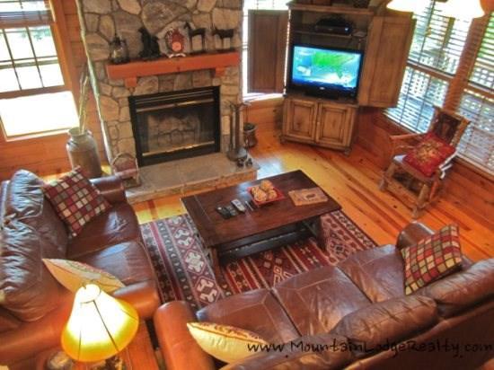 3 Bears Den Living Room with nice new flat screen TV - 3 Bears Den - Boone - rentals