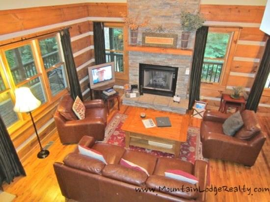 Boulder Falls Retreat Living Room with comfortable leather seating for 6, stone fireplace and new flat screen TV - Boulder Falls Retreat - Boone - rentals