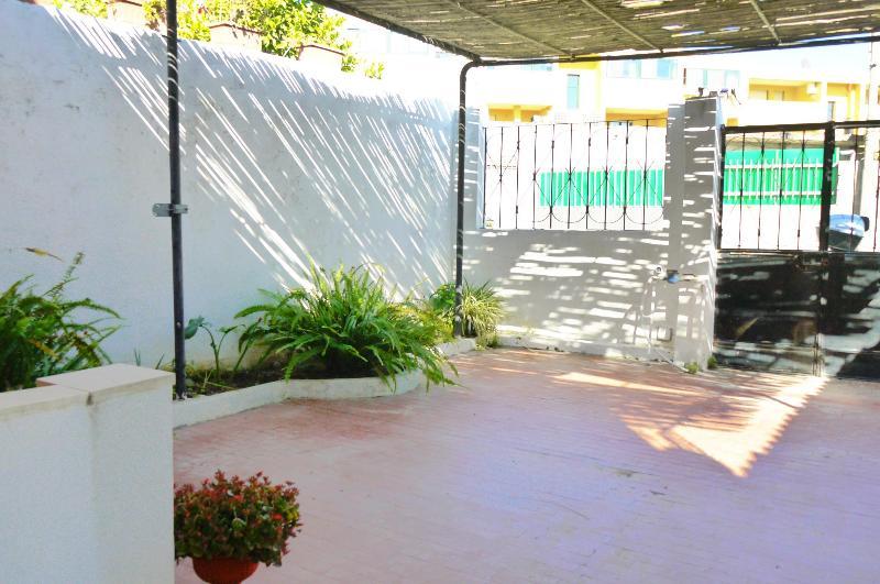 Comfortable private yard - House with Private Yard - Cagliari - rentals
