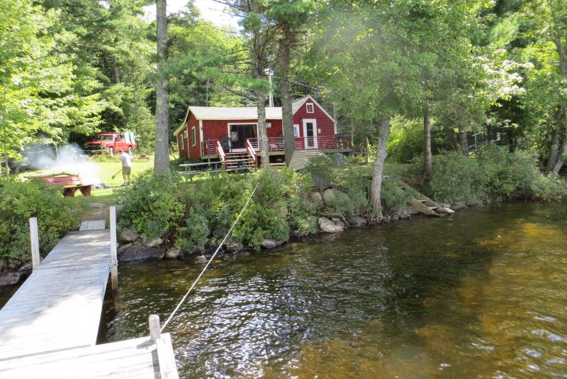 Peaceful Lakeside Cabin on Shores of Biscay - Image 1 - Bremen - rentals