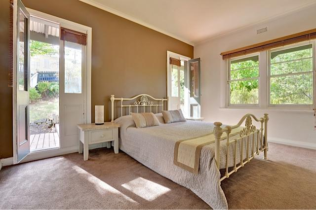 Main Bedroom - Beautiful South Hobart House - Greater Hobart - rentals
