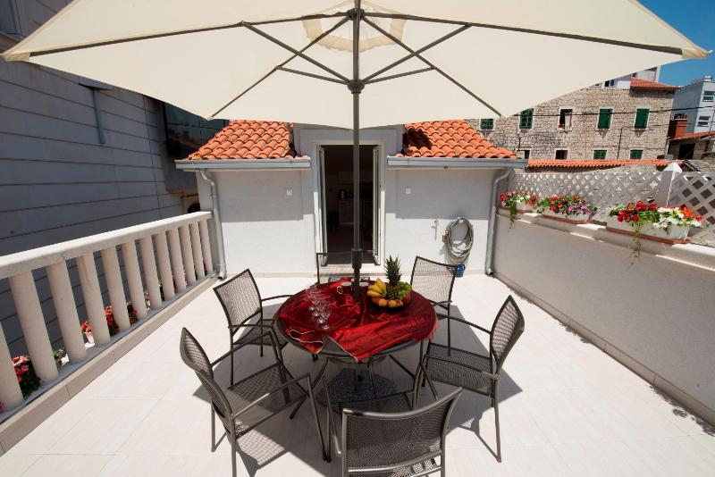 Duplex with adorable terrace in city center **** - Image 1 - Split - rentals