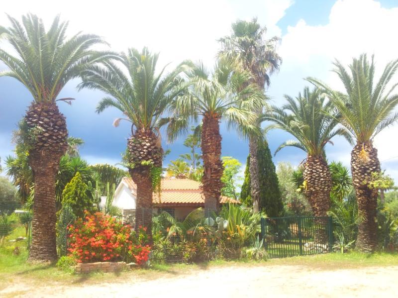 Wonderful Villa in Lush Greenery Beach Close - Image 1 - Tropea - rentals