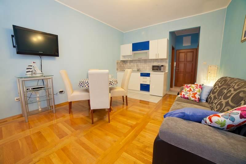 Apartments Lidija - 22831-A8 - Image 1 - Srima - rentals