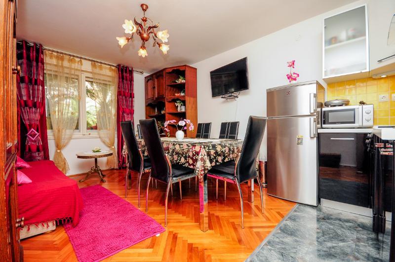 Apartments Jugana - 42721-A2 - Image 1 - Split - rentals
