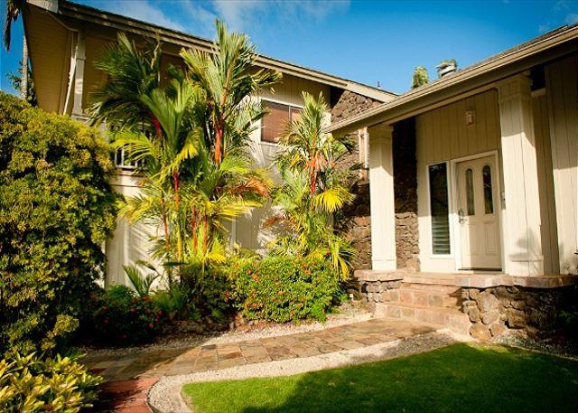 15% off  July & Aug Dates!! Beautiful Home near Queen's Bath with Ocean Views - Image 1 - Princeville - rentals
