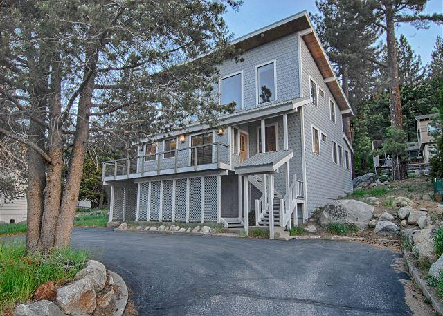 Large Six Bedroom Home in Squaw - Squaw Valley Cottage - Spectacular Squaw Views, Close to Village - Olympic Valley - rentals