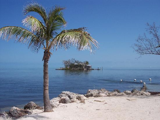 Pretty Joe Rock from shore - Private Tropical Island Home w/Motorboat, Kayaks - Marathon - rentals