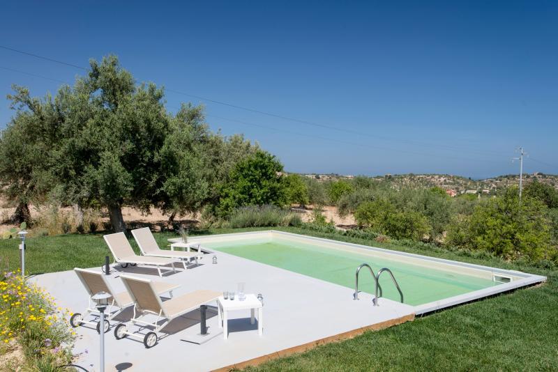Villa Olivastro - Image 1 - Portopalo di Capo Passero - rentals
