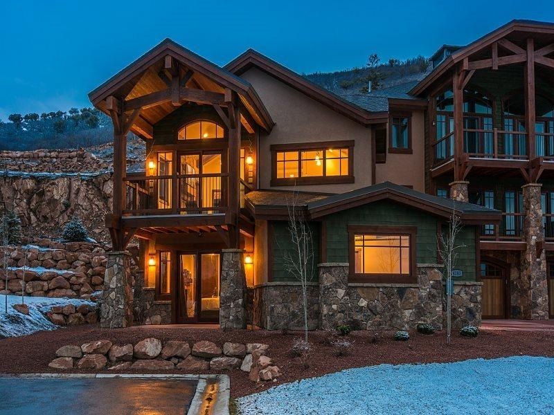 Fairway Villa 6 with Private Outdoor Hot Tub and Access to the Miners Club  - Fairway Villa 6 at Canyons Resort with Full Access to The Miners Club - Park City - rentals