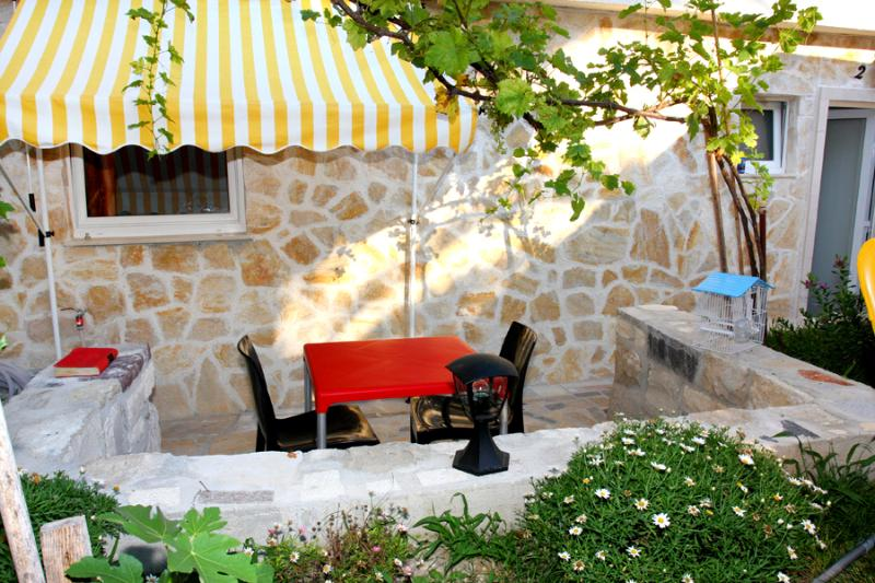 Book our Holiday Apartment on Bacvice Beach in Split - Image 1 - Split - rentals