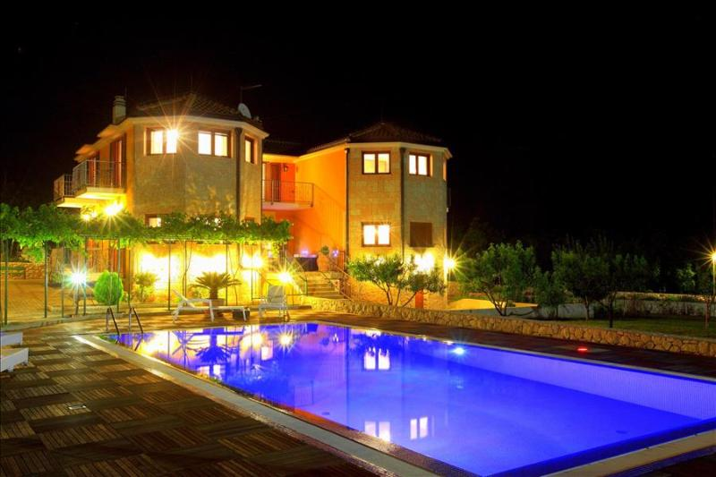 Superb Holiday Villa only 20 km from the sea - Image 1 - Slime - rentals