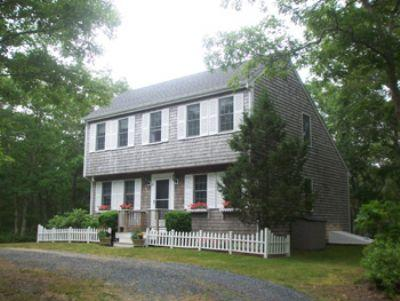 #7056 From your private yard walk to Morning Glory Farm - Image 1 - Edgartown - rentals