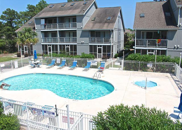Golf Colony Resort Beautiful Villa with cool breezes and fabulous views -22J - Image 1 - Surfside Beach - rentals
