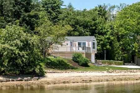 THE LAGOON COTTAGE: MODERN WATERFRONT LIVING - VH NWIL-61 - Image 1 - Vineyard Haven - rentals