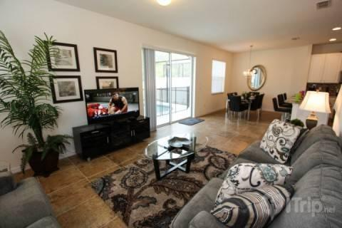 Comfortable living area - Amazing Bella Vida Condo with Gym, Jacuzzi, and Pool - Kissimmee - rentals