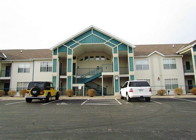 Front of Condo Building - Thousand Hills Golf View- 2 Bedroom, 2 Bath Condo Overlooks Golf Course - Branson - rentals
