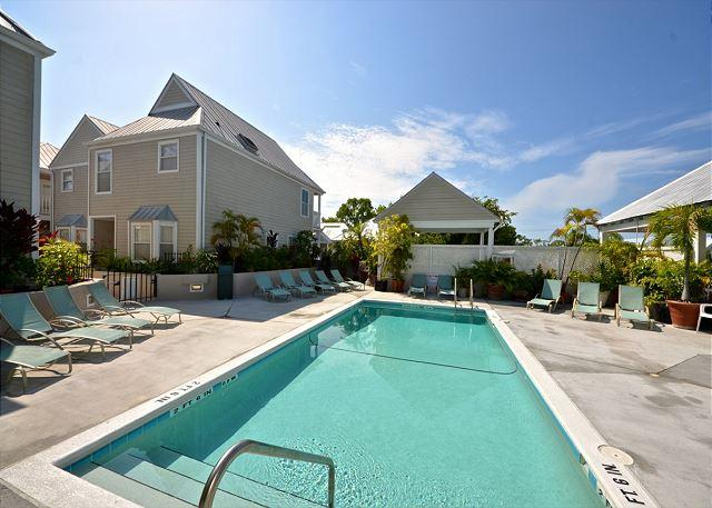 """CASA CUBANA @ DUVAL SQUARE"" Luxurious Condo w/ Pvt Parking & Shared Pool - Image 1 - Key West - rentals"