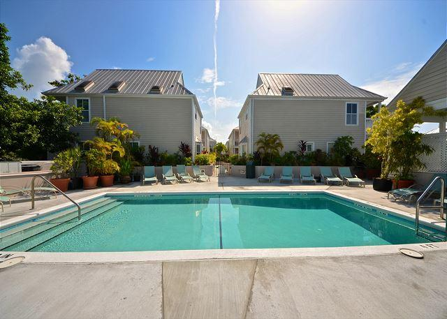 """CASA HAVANA @ DUVAL SQUARE"" 2-Story Condo On Duval St w/ Pvt Hot Tub - Image 1 - Key West - rentals"