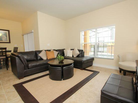4 Bedroom 3 Bath Town Home Sleeps 12 In Style. 8849CP - Image 1 - Orlando - rentals