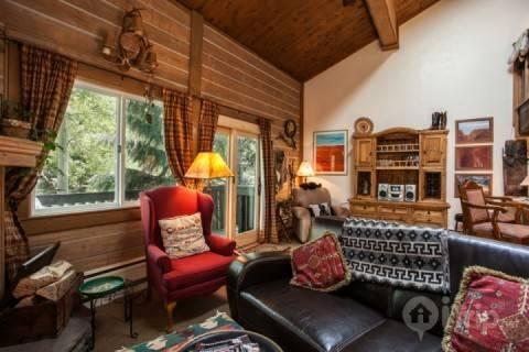 Warm Cozy Mountain Townhome, Steps to Bus Stop, Steps to Gore Creek~ Book a Family Mountain Retreat! - Image 1 - Vail - rentals