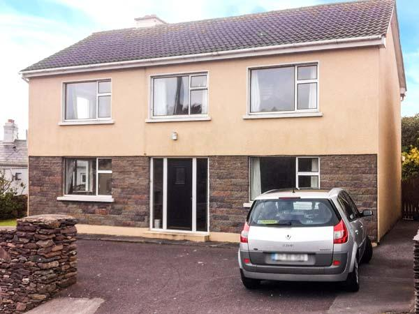 1 SLOANE HEIGHTS, pet friendly, with a garden in Waterville, County Kerry, Ref 4090 - Image 1 - Waterville - rentals