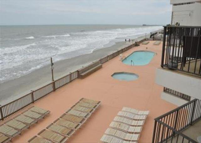 SPACIOUS 3 BEDROOM CONDO TO STRETCH YOUR LEGS - Image 1 - Garden City Beach - rentals