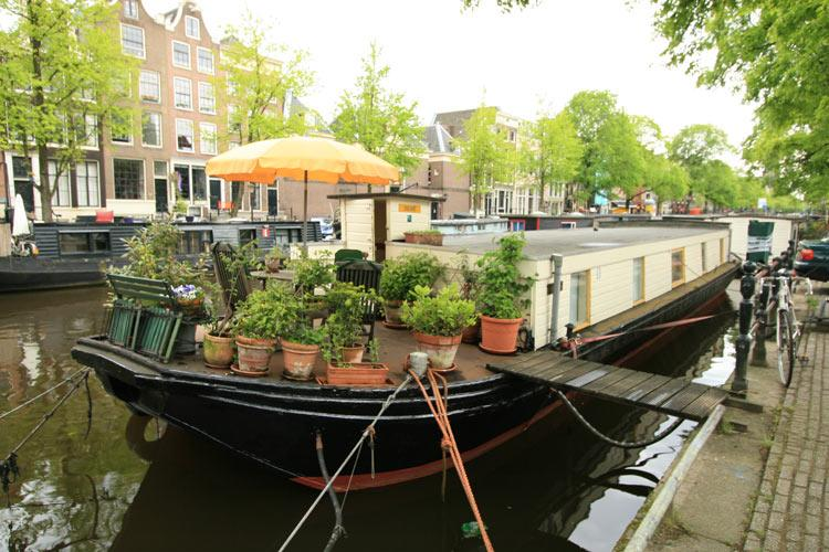 View from outside - Karins Houseboat - Amsterdam - rentals