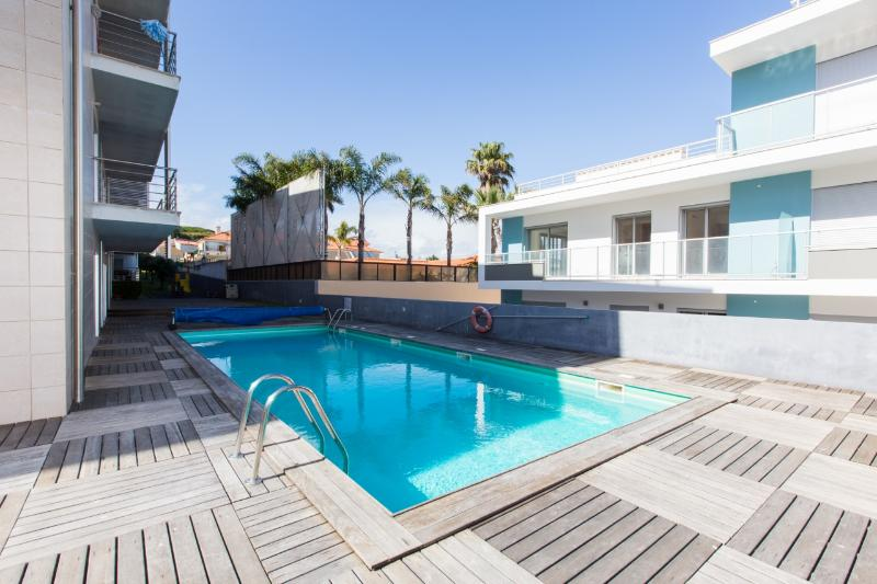 Fully Air Conditioned, Modern 1 Bedroom Apartment, Sleeps 4, with Swimming Pool and Kids Play Area - Image 1 - Sao Martinho do Porto - rentals