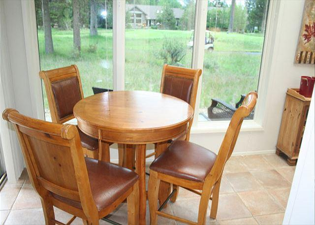 Sun room dining - Executive Sunriver Home with Large Deck and A/C On the Golf Course - Sunriver - rentals