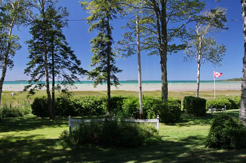 The Peacock cottage (#404) - Image 1 - Sauble Beach - rentals