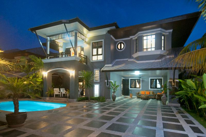 Night Time - Baan Santhiya Private Pool Villas - Ao Nang - rentals