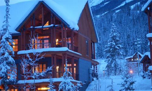 HAWKES NEST : Situated in the prominent post & beam Selkirk Townhomes, this property has everything you need for your resort getaway - Hawkes Nest - Golden - rentals