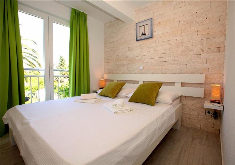 Elegant Seaside Home Milesic - Image 1 - Mastrinka - rentals