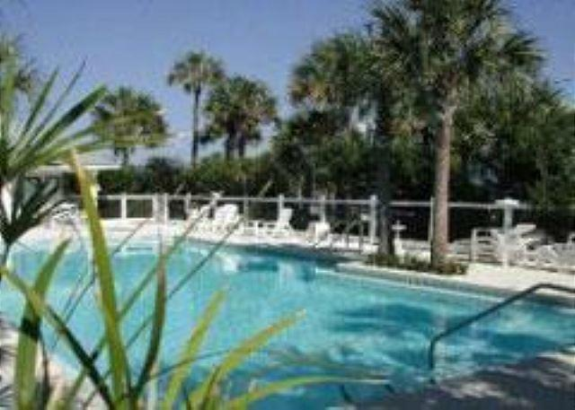 Caribbean Dunes Pool - Caribbean Dunes 121, just across the street from the Beach! - Destin - rentals