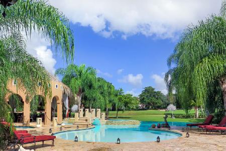 Exceptional Villa Shangri-La villa gated with free form heated pool & 6-Seater golf cart - Image 1 - Altos Dechavon - rentals