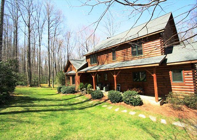 Cabin Creek is a spectacular 5 bedroom log cabin, secluded with privacy gate. - Image 1 - Blowing Rock - rentals