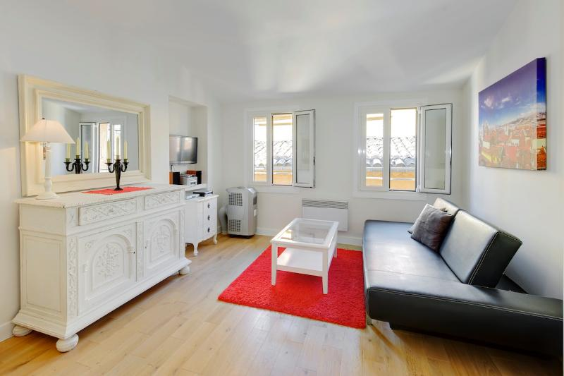 Paloma- Vieux Nice Apartment 1 Bedroom with Internet - Image 1 - Nice - rentals