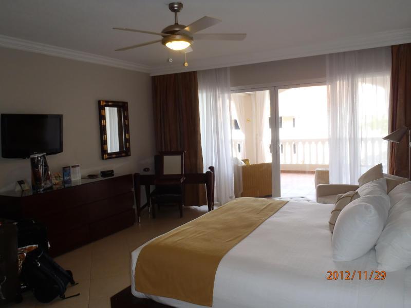 Master Bedroom - 2 Bedroom Suite 2 adults All Inclusive $2150/wk - Puerto Plata - rentals