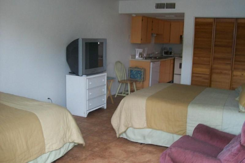 "Studio apartment - ""The Angler"" - studio condo sleeps 4 - $79 a night - Rockport - rentals"