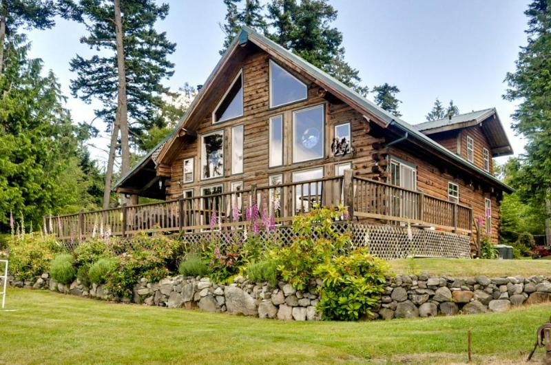 Peaceful with breathtaking ocean views - Image 1 - Lopez Island - rentals