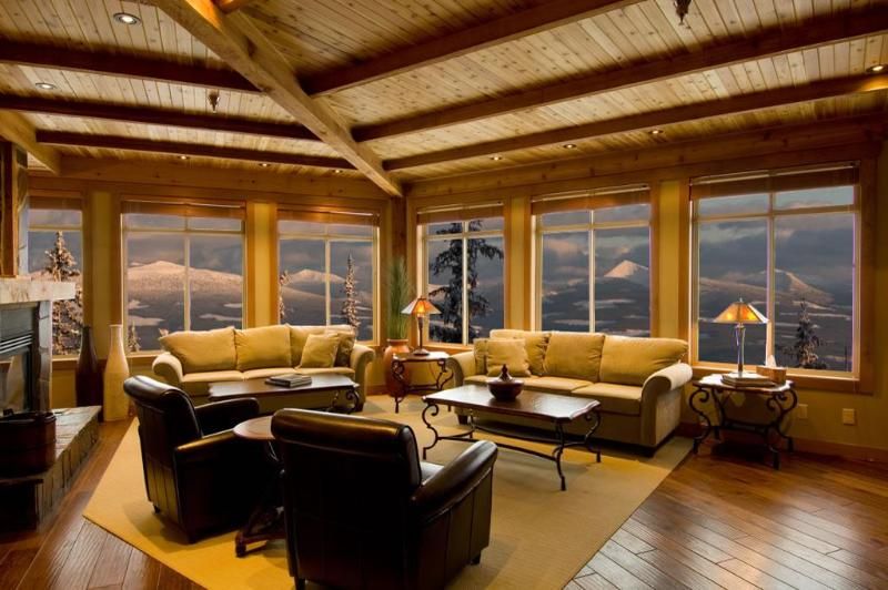 Living Room - Luxurious/large ski condo Big White BC ski in/out - Big White - rentals