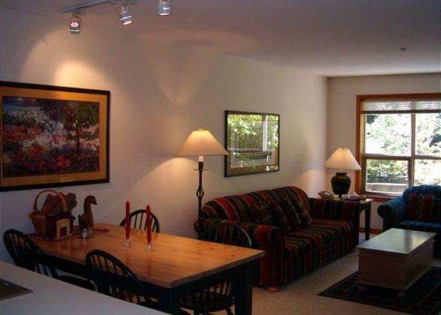 Living/Dining Area - The Aspens 121 - Great ski in ski out location with free wi fi - Whistler - rentals